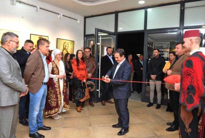 """Rezultat slika za U Tutinu svečano otvorena kulturno umjetnička galerija """"Kuća mira"""""""